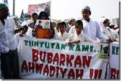 Bubarkan Ahmadiyah